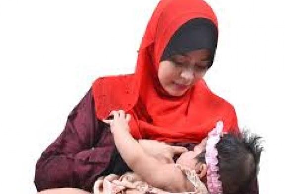 مزایای تغذیه نوزاد با شیر مادر