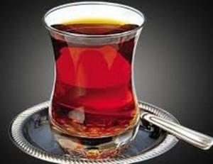 نخوردن چای پر رنگ با معده خالی