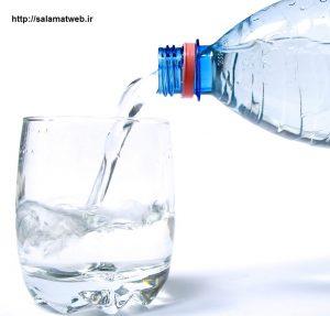 مصرف آب راه درمان خشکی لب ها