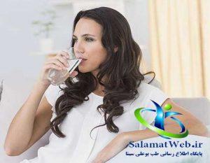 چاقی صورت با نوشیدن آب فراوان در طی روز