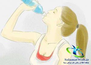 خوردن آب فراوان برای لاغر کردن پا