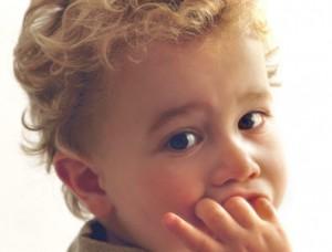 علل و درمان ناخن جویدن در کودکان