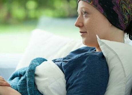 کمک به بیماران سرطانی