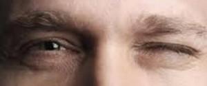 چرا پلک چشممان می پرد؟
