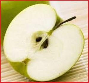 خوردن دانه سیب ممنوع