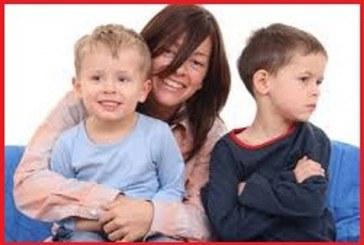 چگونه حسادت کودکانمان را درمان نماییم؟