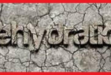از کجا بفهمیم که بدن ما با مشکل کمبود آب مواجه شده است؟