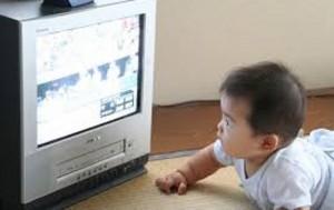 تماشا کردن تلویزیون توسط کودکان