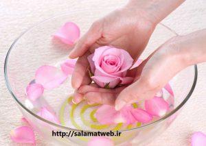 پوستی لطیف و زیبا با گلاب