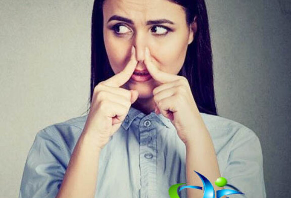 بوی بد بدن را چگونه از بین بریم ؟+علت بوی بد بدن